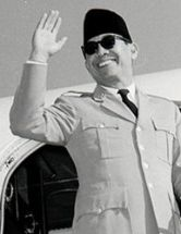 https://rubijanto.files.wordpress.com/2011/03/thumbsoekarno_bio.jpg?w=193
