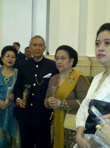 Guntur Sukarnoputra dan Megawati Sukarnoputri , 7 November 2012